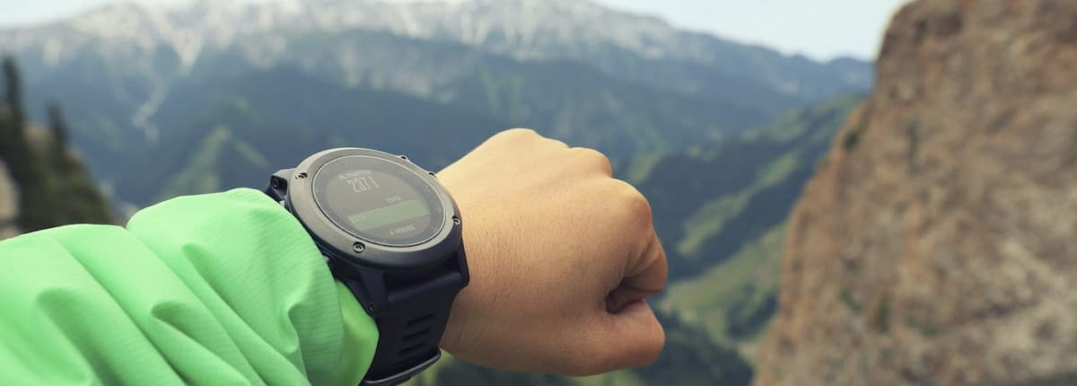 WHAT TO CONSIDER WHEN BUYING A HIKING WATCH