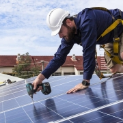 WHY YOU NEED TO VET A SOLAR PANEL COMPANY